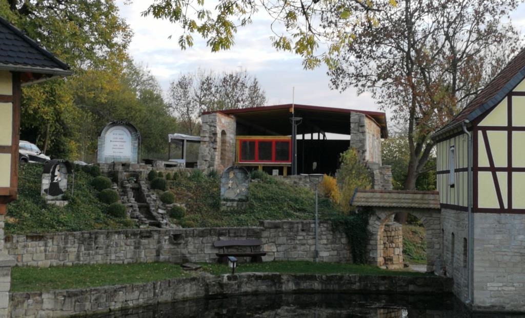 Die Klosterscheune Dietenborn hat ein neues Dach bekommen. (Foto: RAG Kyffhäuser e.V.)