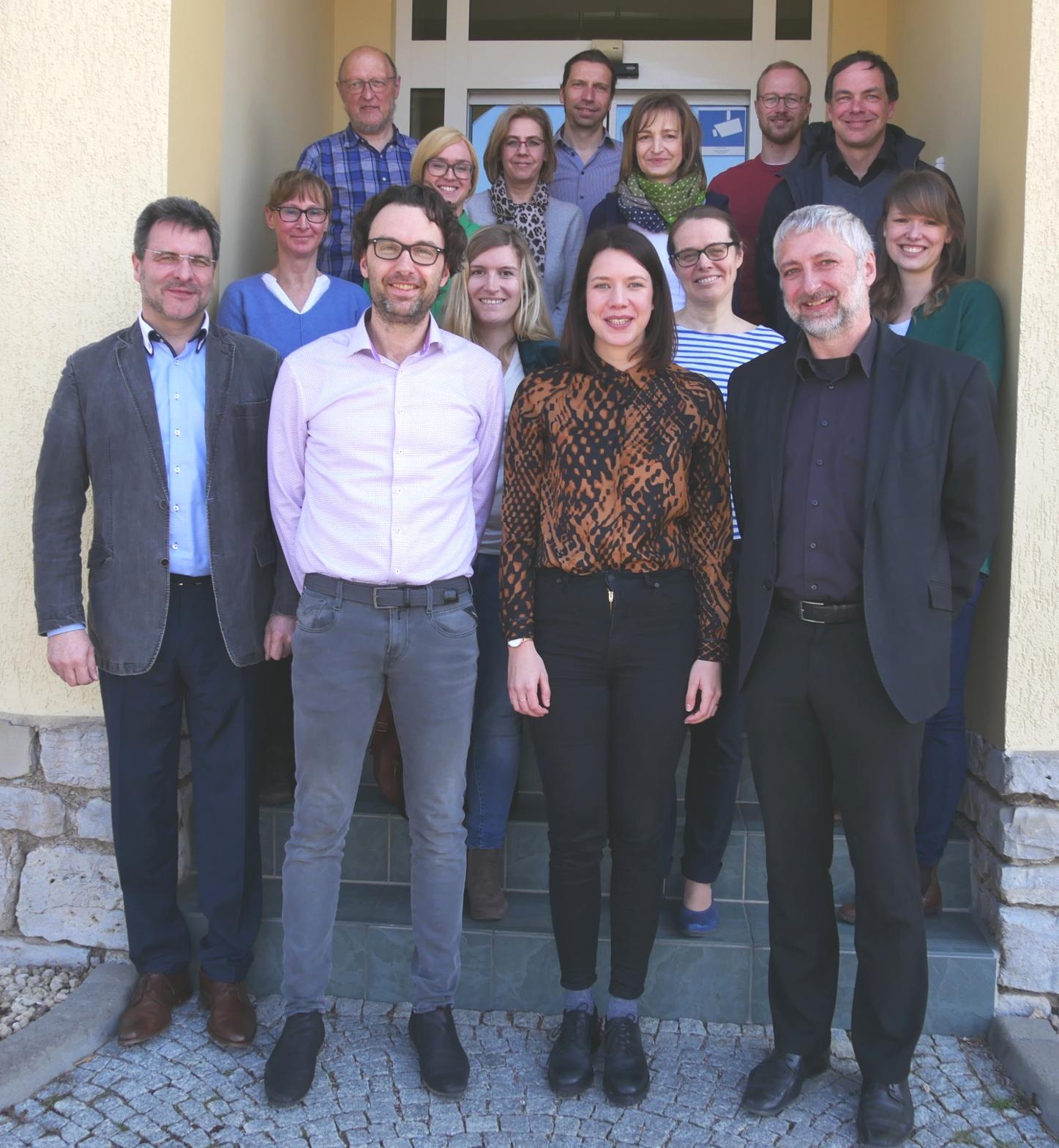 Die Teilnehmer des LEADER-Management-Treffens am 1. April. In der ersten Reihe die drei neugewählten Sprecher: Nicolas Ruge, Juliane Kerst und Alexander Pilling (v.l.n.r.)