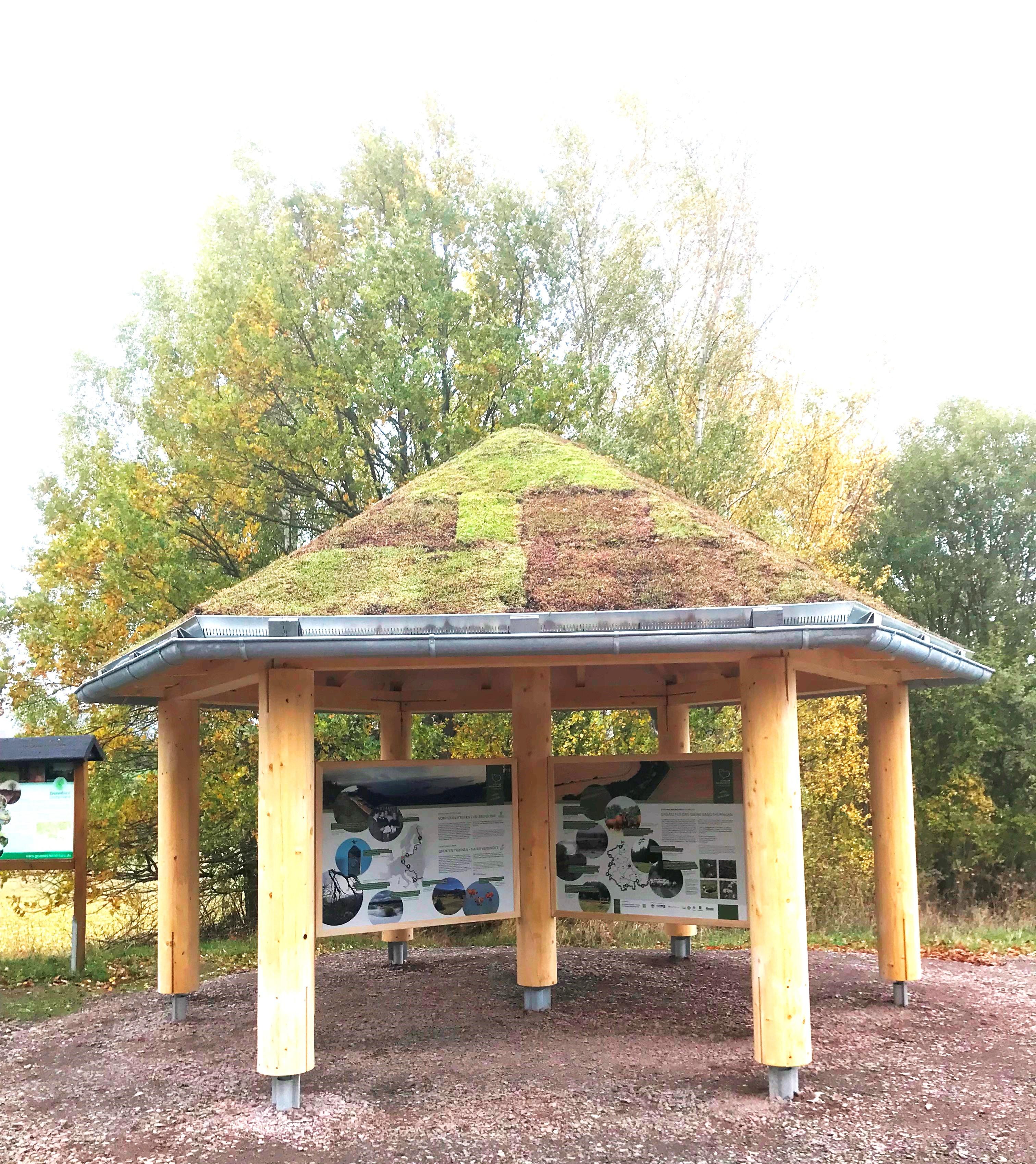 Ellrich Infopavillon, Sicht von Straße, Quelle: Ingrid Werres, Stiftung Naturschutz Thüringen