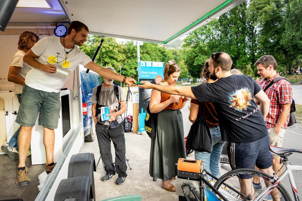die Mobile Recyclinganlage bei Klima-Pavillon in Gera, Quelle: Ines Kinsky (RAG Saalfeld-Rudolstadt)