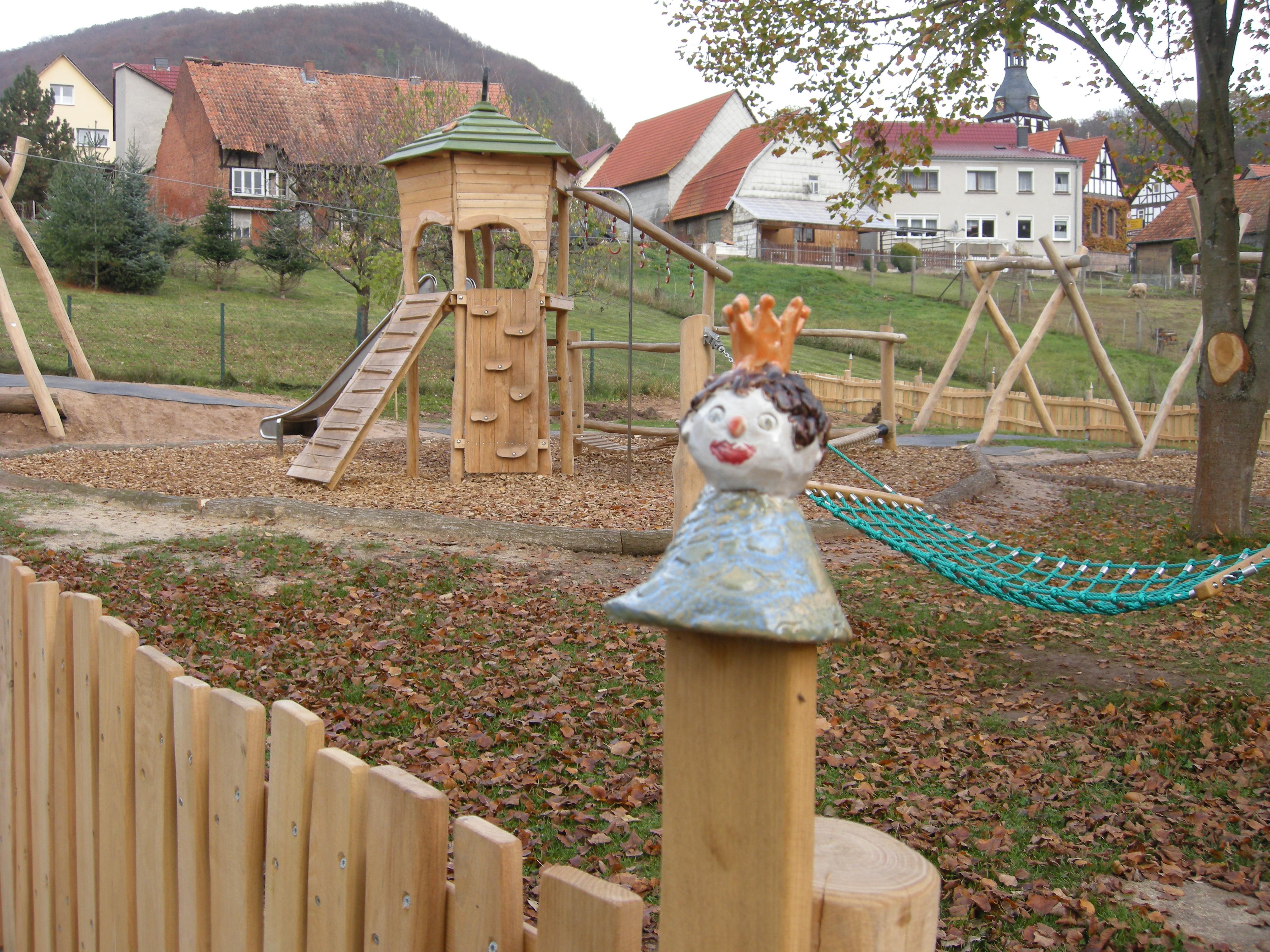 Mackenroder Märchenspielplatz, Zaunhocker, Quelle: RAG Eichsfeld